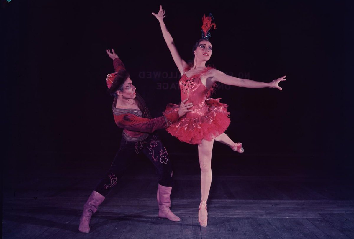 🌟 #Onthisday in 1925 Maria Tallchief was born  Tallchief was America's first major prima ballerina & the first Native American to hold the rank  This photo shows her performing at our theatre in 1950 as the Firebird with Francisco Moncion (part of @nycballet's tour to the ROH!) https://t.co/L82Sxa2PRj