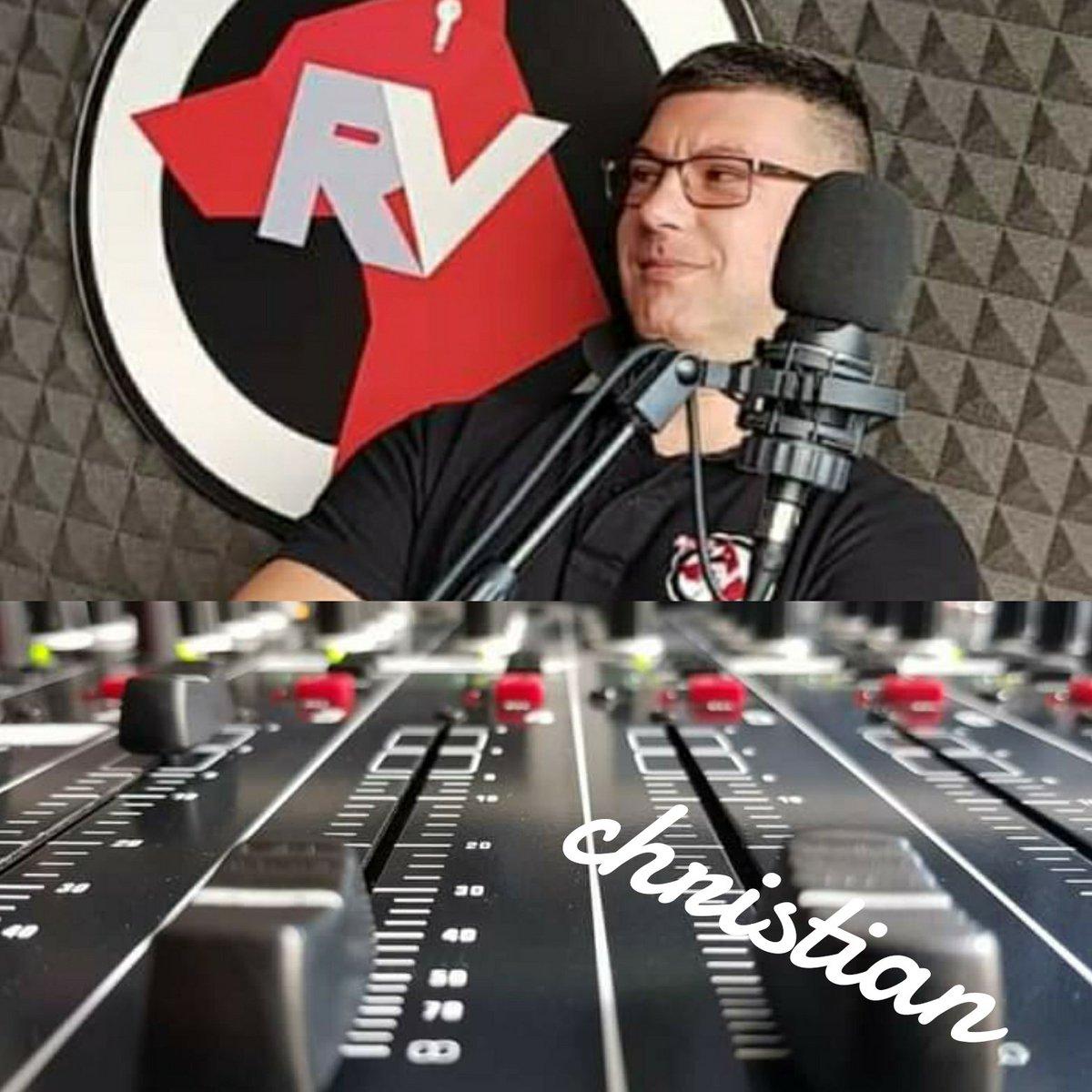 Buongiorno a tutti buona domenica  #instadj #radio #webradio #weekend #vocalist #dj #eventi #fans #vigevano #rv #radiovigevano #musica #onair #programmiradio #trance #djset #partytime #dance #speaker #house #solobellamusica #instadjs #followme #followmypage #prada #prada365