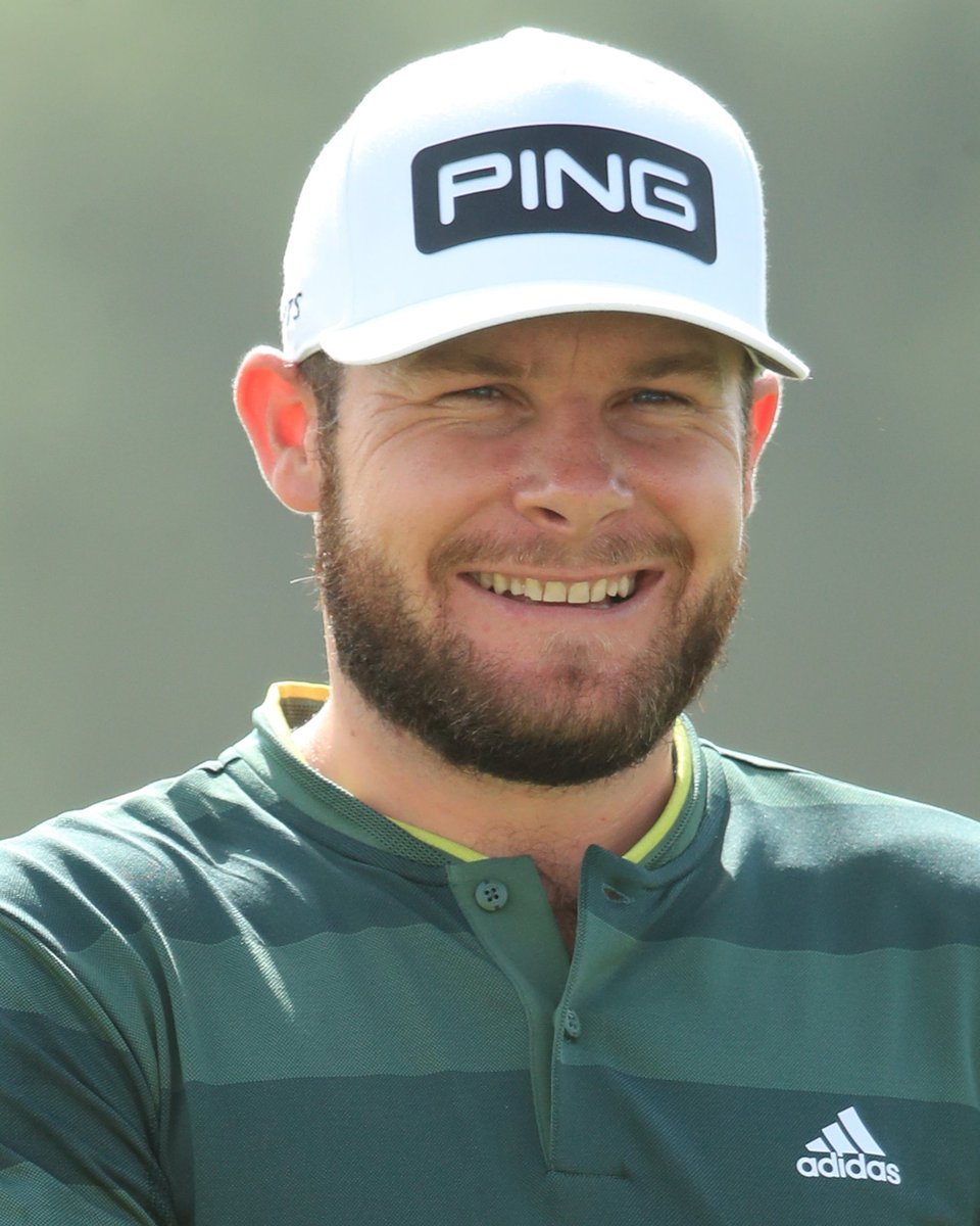 Tyrrell Hatton birdies the 9th to open up a two shot lead over Rory McIlroy and Tommy Fleetwood 🏌️‍♂️  #ADGolfChamps #RolexSeries #WitnessTheIncredible