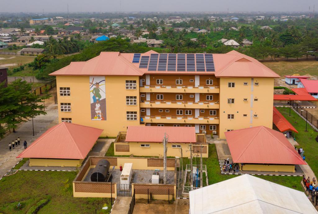 Yesterday, Governor of Lagos State, Mr. @jidesanwoolu commissioned the 110-Bed Maternal and Child Centre located in Badagry .. this facility is already in use and has attended to over 3000 patients from November till date.   #ForAGreaterLagos