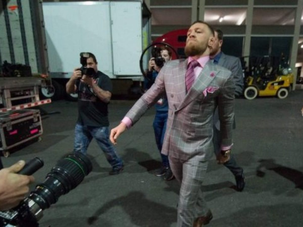 #UFC257 #McGregorPoirier2  How I thought #McGregor -  Would walk        vs    How he after the match         actually walked
