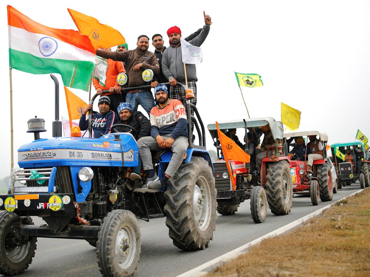#JustIn: Tableaux depicting protest against #farmlaws to feature in Republic Day tractor parade by agitating farmers: Organisers (PTI) Track today's latest news here: