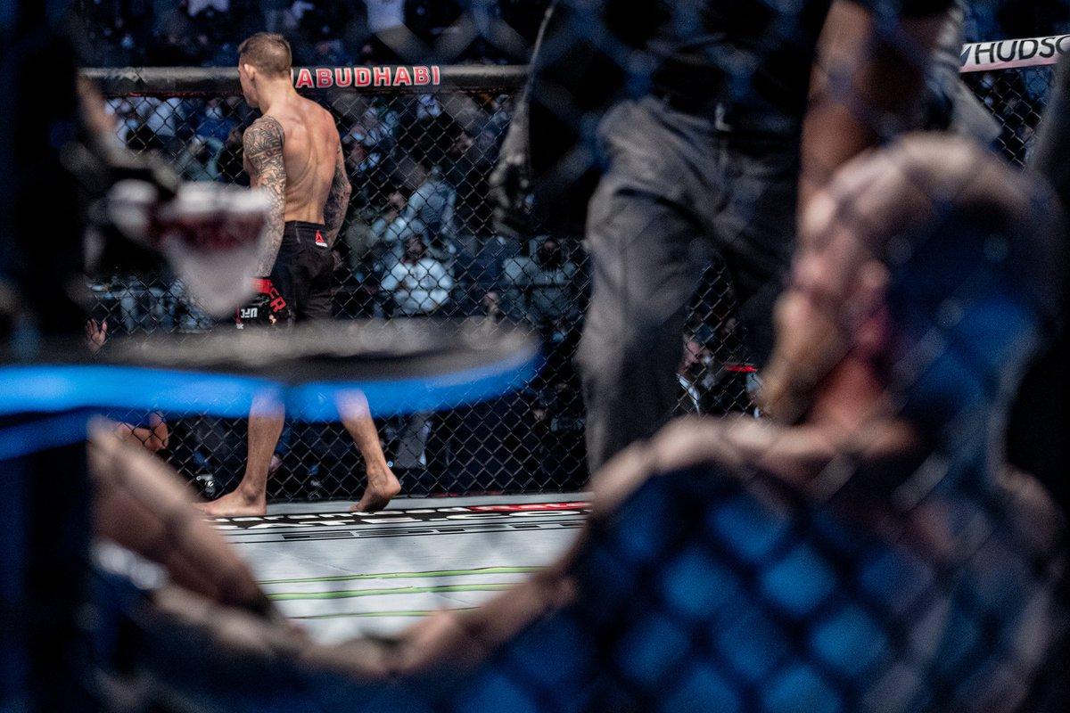 マクレガーの第2章のスタート地点が決まった。この敗戦で腐らず、這い上がってUFCの中心になって欲しい。 #UFC257