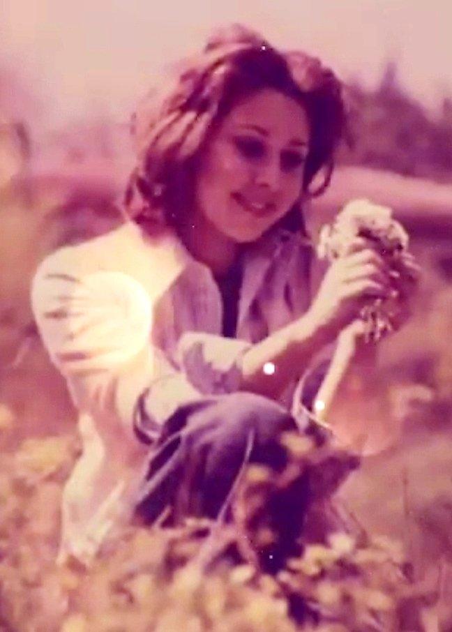 #Nilüfer 1974 @NiluferOfficial #tbt #anı #müzik #pop #şarkı #arşiv #nostalji #music #hit #diva #love #popstar #popmusic #70ler #70s #art #efsane #güzellik #gençlik #photography #fotoğraf