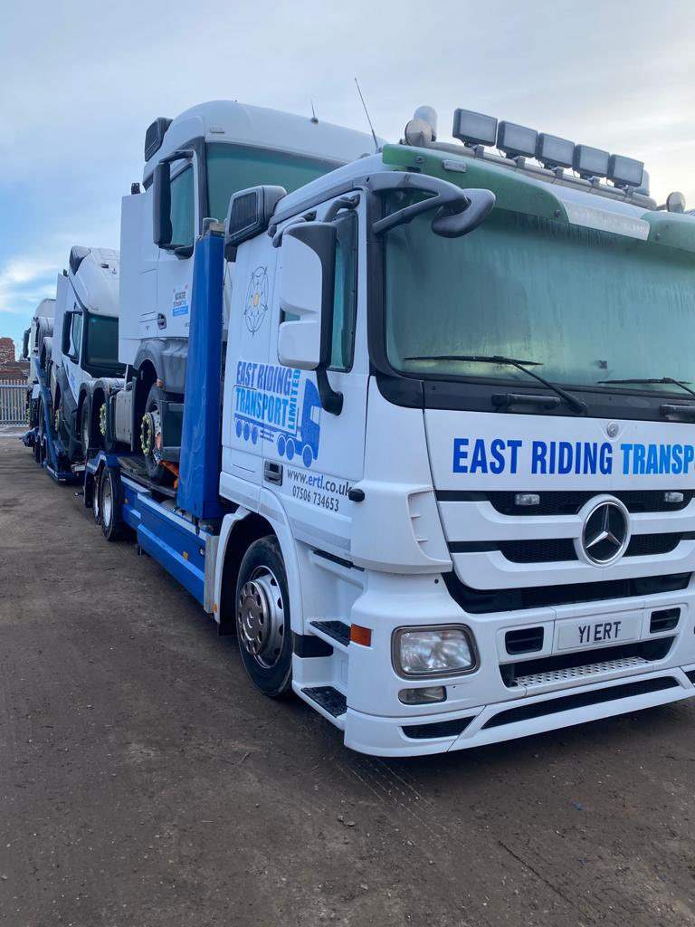 It's a bit frosty out there today. In yard ready for #Monday #Haulage #Logistics #Transporter #HGV #Mercedes #Loaded #Weather #Ice #Frosty #Freezing #Cold #Working #Professionals @MercedesTruckUK