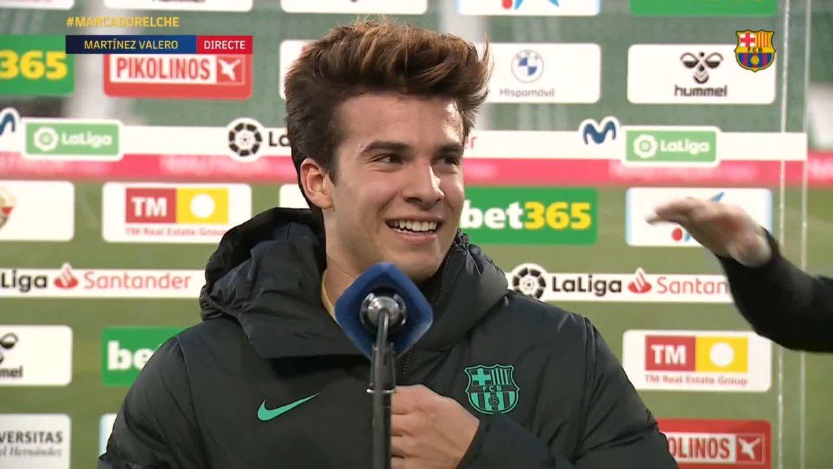 Primer gol oficial de @RiquiPuig amb el primer equip. Arriba @Miralem_Pjanic i... 🤗