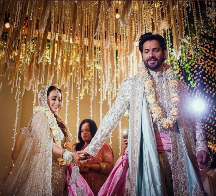 Replying to @NewsMobileIndia: Congratulations Mr. & Mrs. Dhawan  #varundhawan #natashadalal #varunkishaadi #VarunWedsNatasha