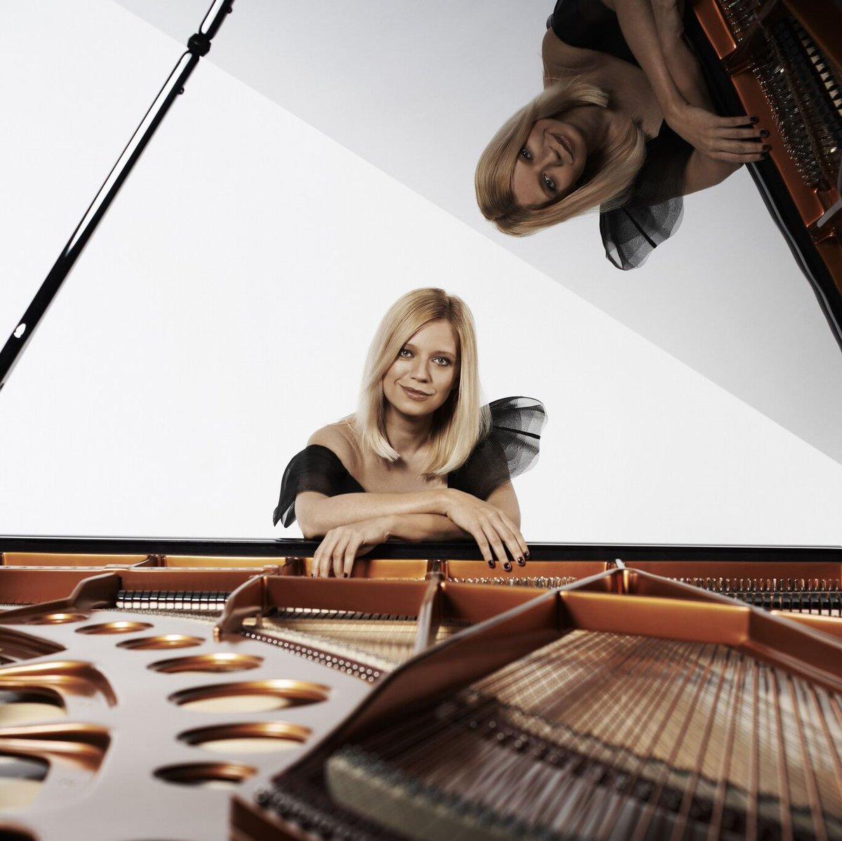 """Gürer Aykal yönetimindeki @BIFO'nun; piyanist Valentina Lisitsa ve keman sanatçısı Naz İrem Türkmen'e eşlik ettiği """"Dâhinin Gücü"""" başlıklı konser 'de yayında!  #borusansanatTV #borusanistanbulfilarmoniorkestrası #beethoven250"""
