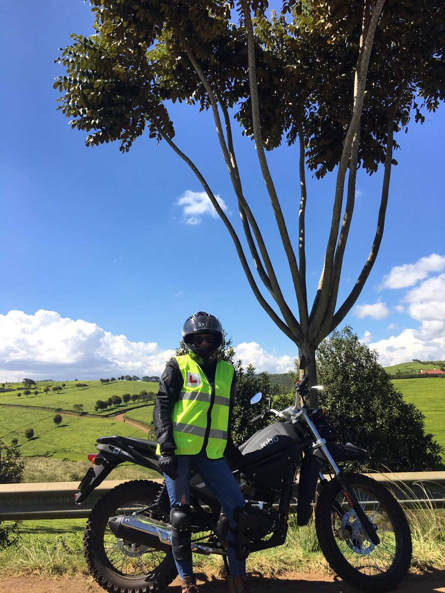 Another beautiful day to ride and enjoy some fresh air and scenic locations!  We see you Celia! 🤩🤩  #girlsonmotorcycles #girlsonbikes #girlswhoride