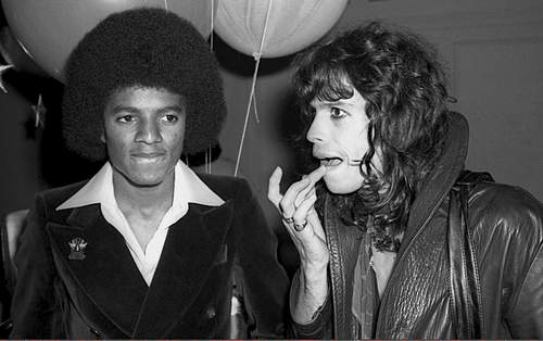 1981 Steve Tyler of @Aerosmith was hospitalised after being involved in a crash on his motorbike #OnThisDay @Absolute80s @IL0VEthe80s @stuckinthe80s @NME @RollingStone @MTV @Billboard @ClassicRockMag @BBC6Music @OfficialCharts @allmusic