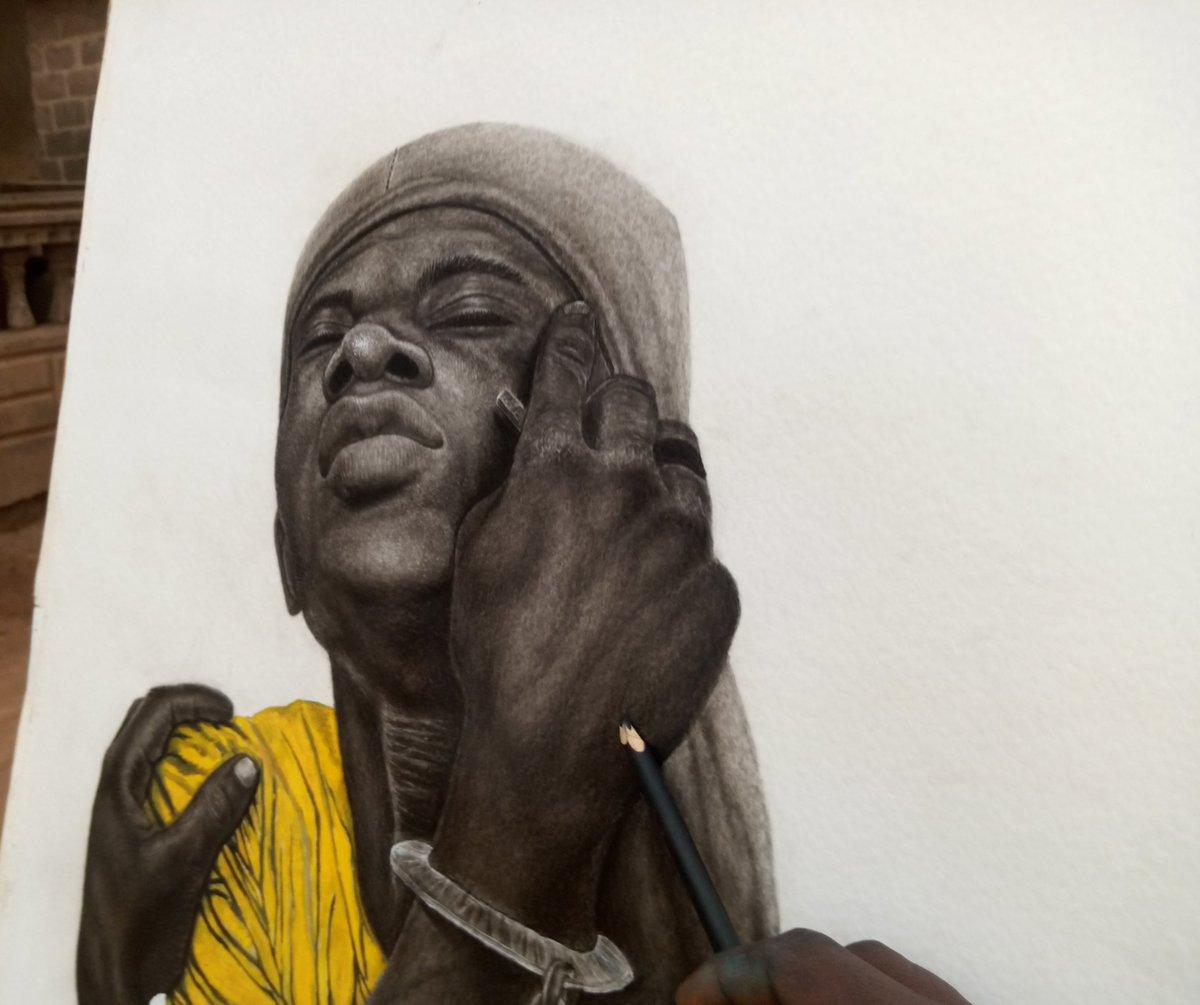 Please drawing on paper  #drawing #digitalart #Artist #like4like #lovelylouies #sundayvibes #USA #NewYork  @SilasOnoja @lekanabatan1 @kennwadiogbu @KOkaforart @Dameart2  Like and retwit