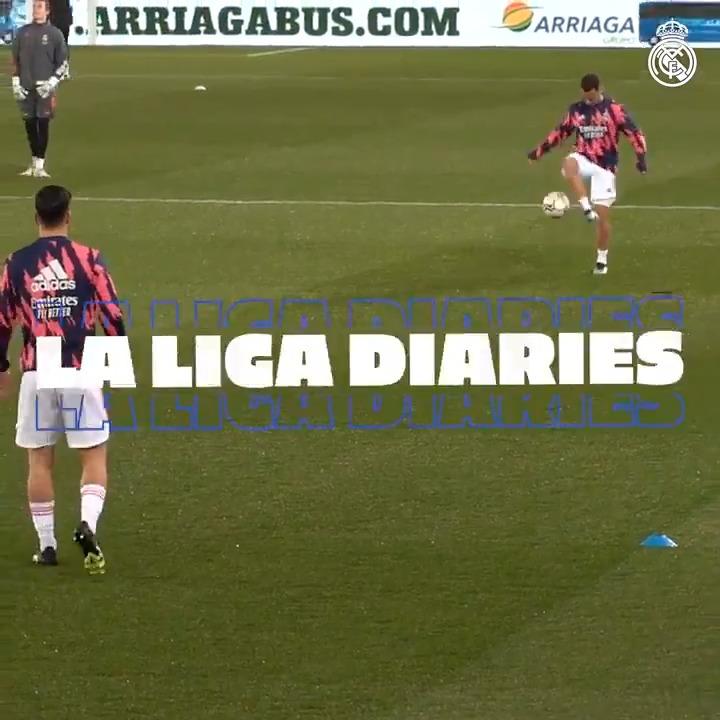 🎥🆕 @LaLiga Diaries | @Alaveseng 1-4 @realmadriden ⚡ Behind the scenes of a BIG win in Vitoria!  💥 @Casemiro 💥 @Benzema 💥 @hazardeden10  ⬇ FULL VIDEO:  @emirates | #RMLiga