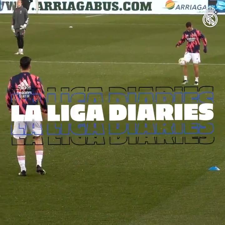 🎥🆕@LaLiga Diaries | @Alaves 1-4 @realmadridfra ⚡ Trois points, trois buteurs! 💥@Casemiro 💥@Benzema 💥@hazardeden10 ⬇️VIDÉOCOMPLÈTE:  @emirates | #RMLiga