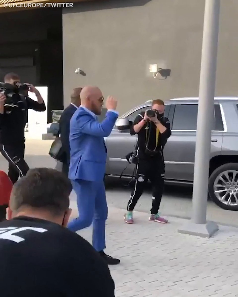 The photographer was locked in on Conor McGregor 😂   (via @ufc) #UFC257
