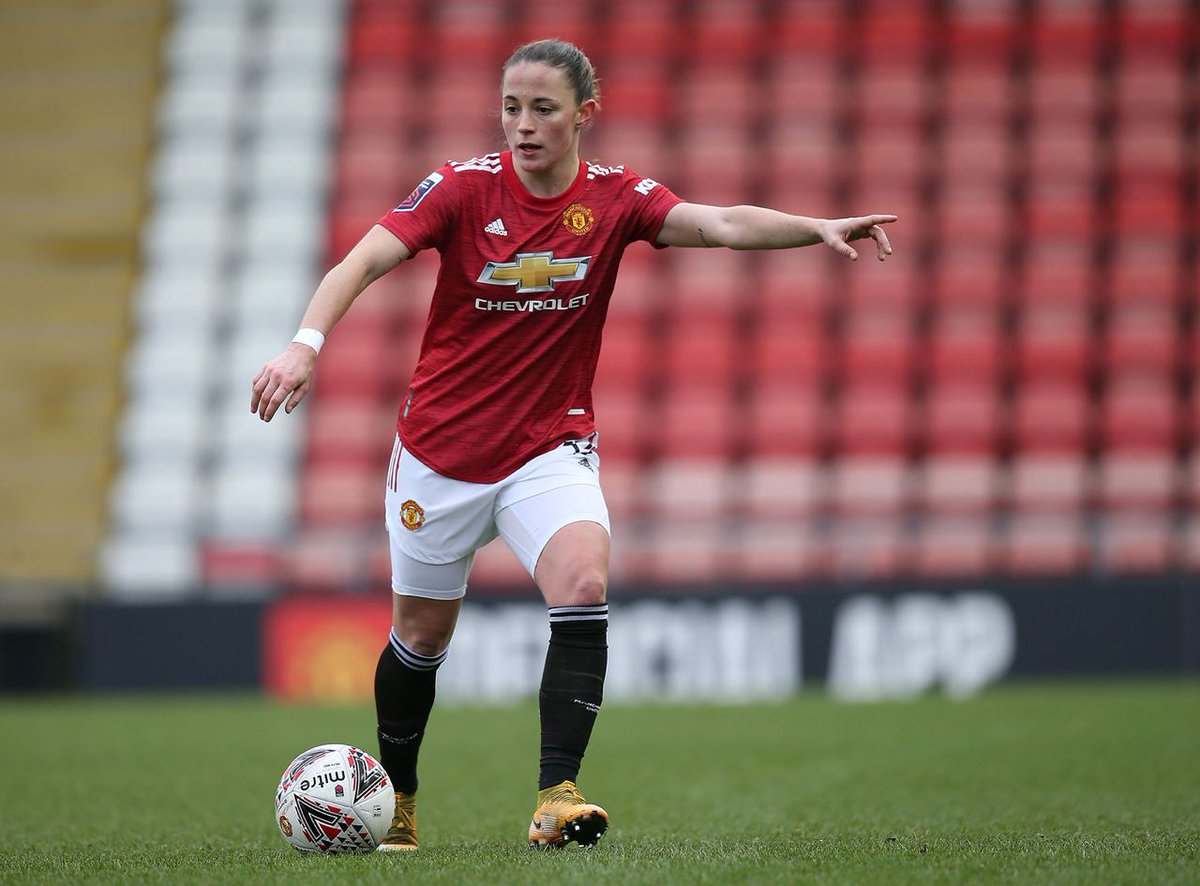 Marshalling the troops 🤜  The Reds are still pushing for that second goal as we approach the final 🔟 minutes, with @Ivana_Fuso firing over with our latest chance.  #MUWomen #BarclaysFAWSL