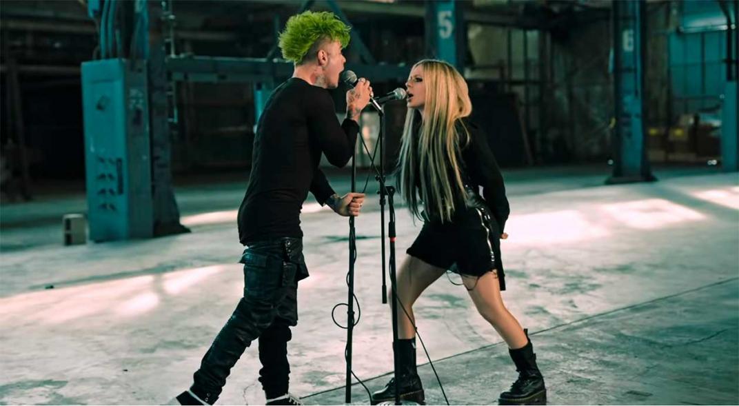 Solo la reina Avril Lavigne puede lograr ser tendencia mundial por 3 días seguidos en twitter, y recuerden que no es el regreso oficial