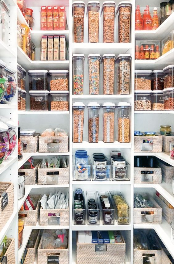 Manifesting having a Pantry like this one day ✨🤣 📸Pinterest