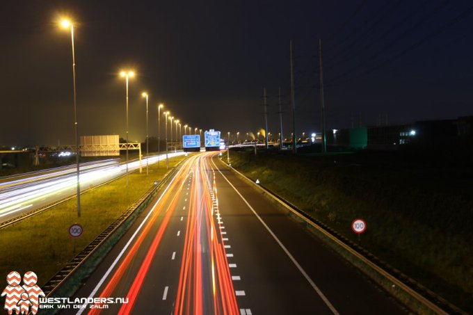 Joyriden op de A13 tijdens de avondklok https://t.co/IQEgWXt6RS https://t.co/agGHysPROB