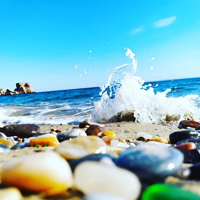 Sweet I think it's the right moment for a wave dance #nature #naturelovers #wonderful #beautiful #naturephotography #natureperfection #photooftheday #photograpy #beautiful #world #naturelove #cute #sweet #Travel