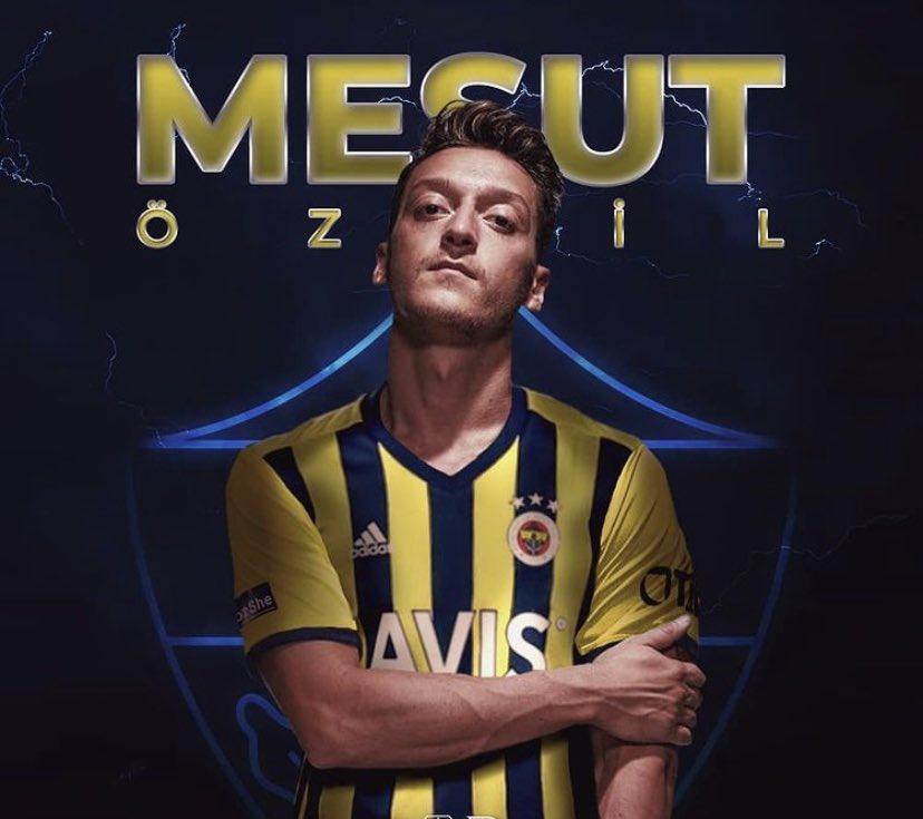 Day 544:  New beginnings @MesutOzil1088, finally joined your boyhood club @Fenerbahce. Good luck Abi 💛💙  #FenerSignMesut