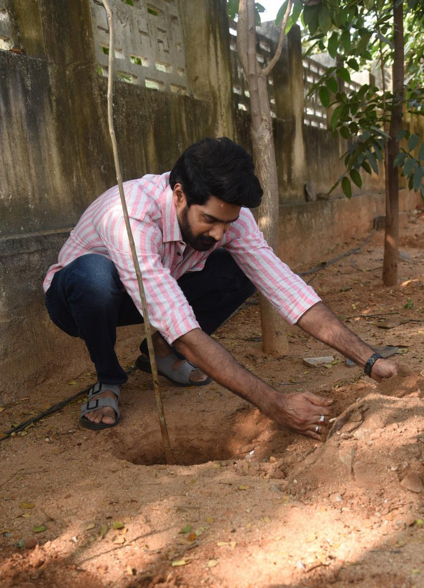 . @Naveenc212 accepted #HaraHaiTohBharaHai #GreenindiaChallenge   from @Rajaraveendar Planted 3 saplings. Further He nominated @dhanushkraja @salonyluthra @23_rahulr @iChandiniC  to plant 3 trees & continue the chain..specially thanked @MPsantoshtrs for taking this intiate