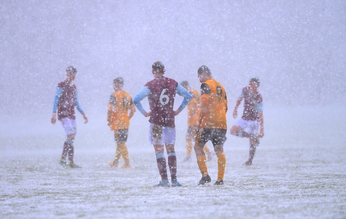 Match off 🚫  Tough conditions for the under-18s this weekend...  ❄️🌨