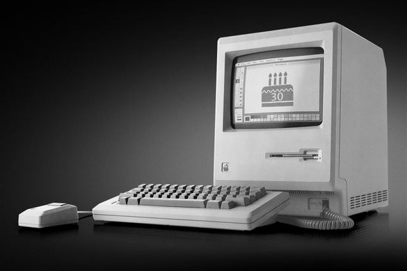#OnThisDay in #technology (1984) #Apple Computer, Inc. 🏈🖥️ released its #Macintosh computer with an unprecedented media campaign, including a groundbreaking TV commercial shown during the 1984 #SuperBowl.