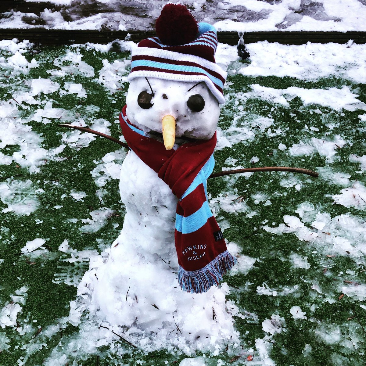 Exceptional bit of snow-manning by me and the kids. He looks a bit moody, mind you. #coyi #WHUFC #snow