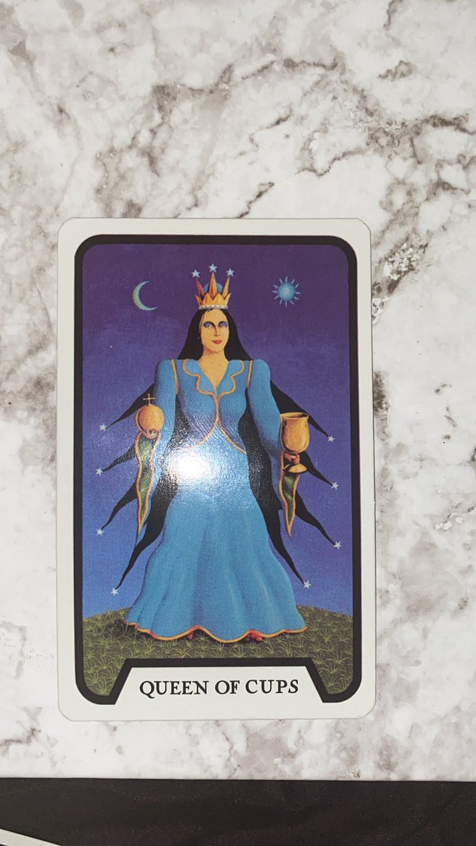 Message for somebody 🔅 #tarotreader #astrology   The queen of cups represents an empathetic woman or the feminine energy (love, beauty and harmony) , with unconditional love- to a fault. They don't think of their best-