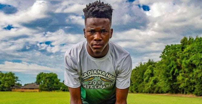 BREAKING: Top247 DB Laterrance Welch (@LaterranceW22) commits to #LSU. Corey Raymond offered this month and got Welch on board in the 2022 class.  He's already a two-state state champion at Acadiana High.  Story: