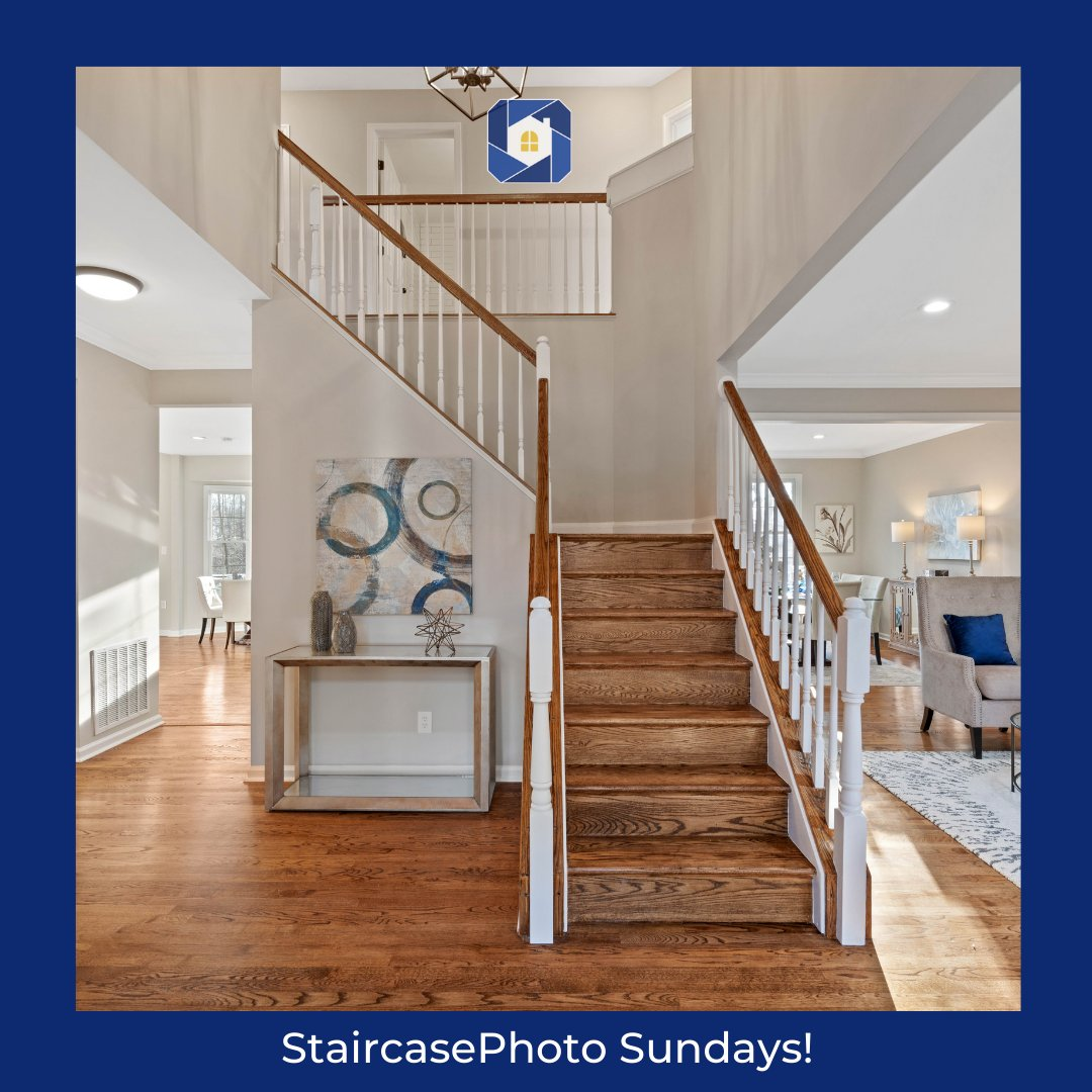 Today we're featuring this beautiful modern staircase from one of our photoshoots this week. Look at all the stunning details that surround this staircase carefully placed to wow anyone that walks in this home.👌  #sundaymorning #staircasesunday #realestatephotos @StaircasePhoto