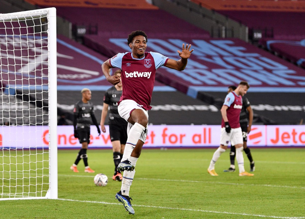 Instinctive attacking play from @dapo_afolayan 👏