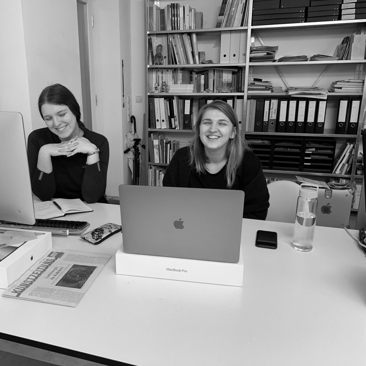 We are saying goodbye to our long-term intern Viktoria, thank you for the past 6 months!  ☀️ Jana will try her very best to keep up your amazing work.  ✏️   #gallery #kunstinbonn #contemporaryart #artgallery #exhibition #intern #internship #behindthescenes