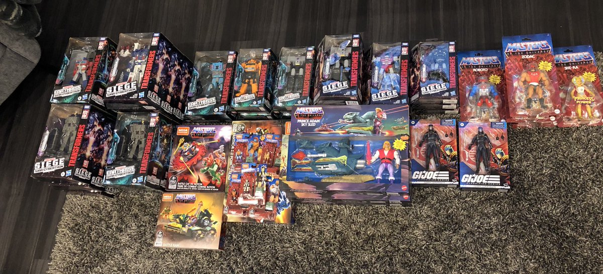 Found some toys for my brothers and a friends collection from a few stores 😆 get back home now my daughter wants to start her own collection #transformers #gijoe #MOTU