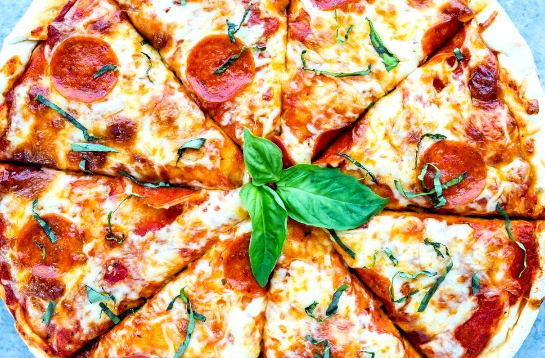 #ready for #brunch ❤️ ❤️ ❤️ * * * * * * * * * * * * * * * * * * * * * * * * * * * * * * * * #pizza #pizzapie #nyc #ny #nom #nomnom #sogood #patsys #patsyspizza #patsyspizzeria #eeeeeats #feed #feedfeed #thincrust #uws #midtown #amazing #pizzalove #pizzaeats #sundaypizza #yummy