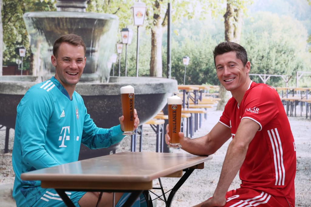 Lewandowski scores his 500th career goal ⚽️ Neuer keeps record 197th Bundesliga clean sheet 🧤  Just a couple of legends 🍻