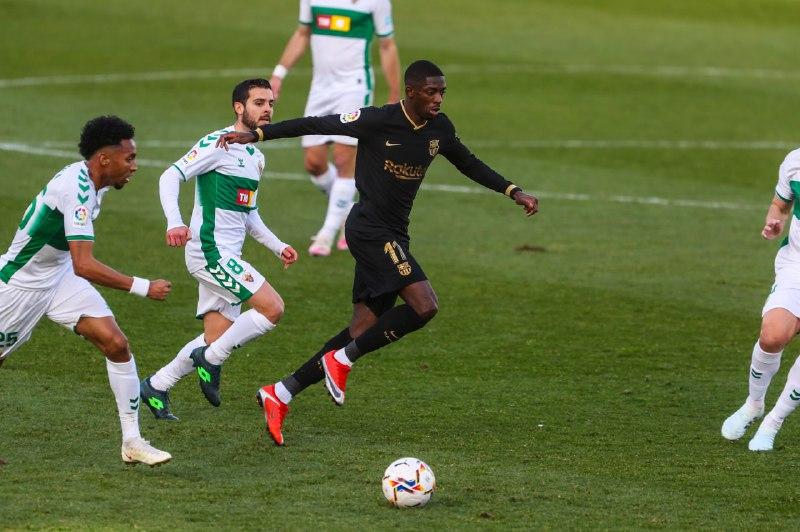 🔁 Min 74: Primer canvi al Barça:  🔺 Trincao 🔻 Dembélé
