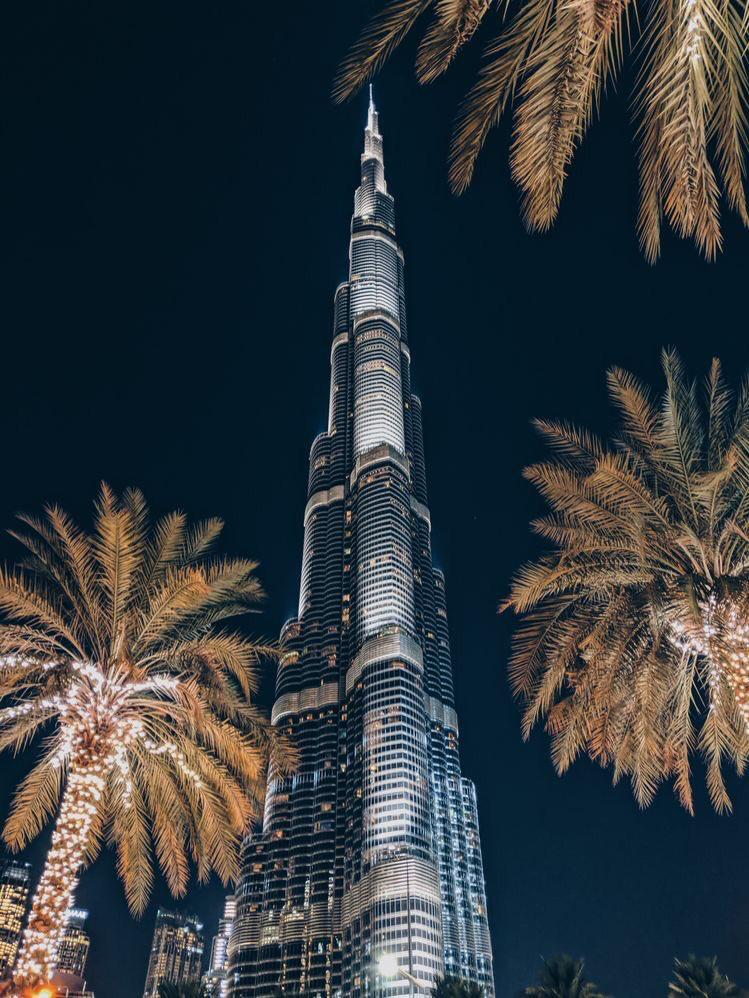 Dubai at night 🖤