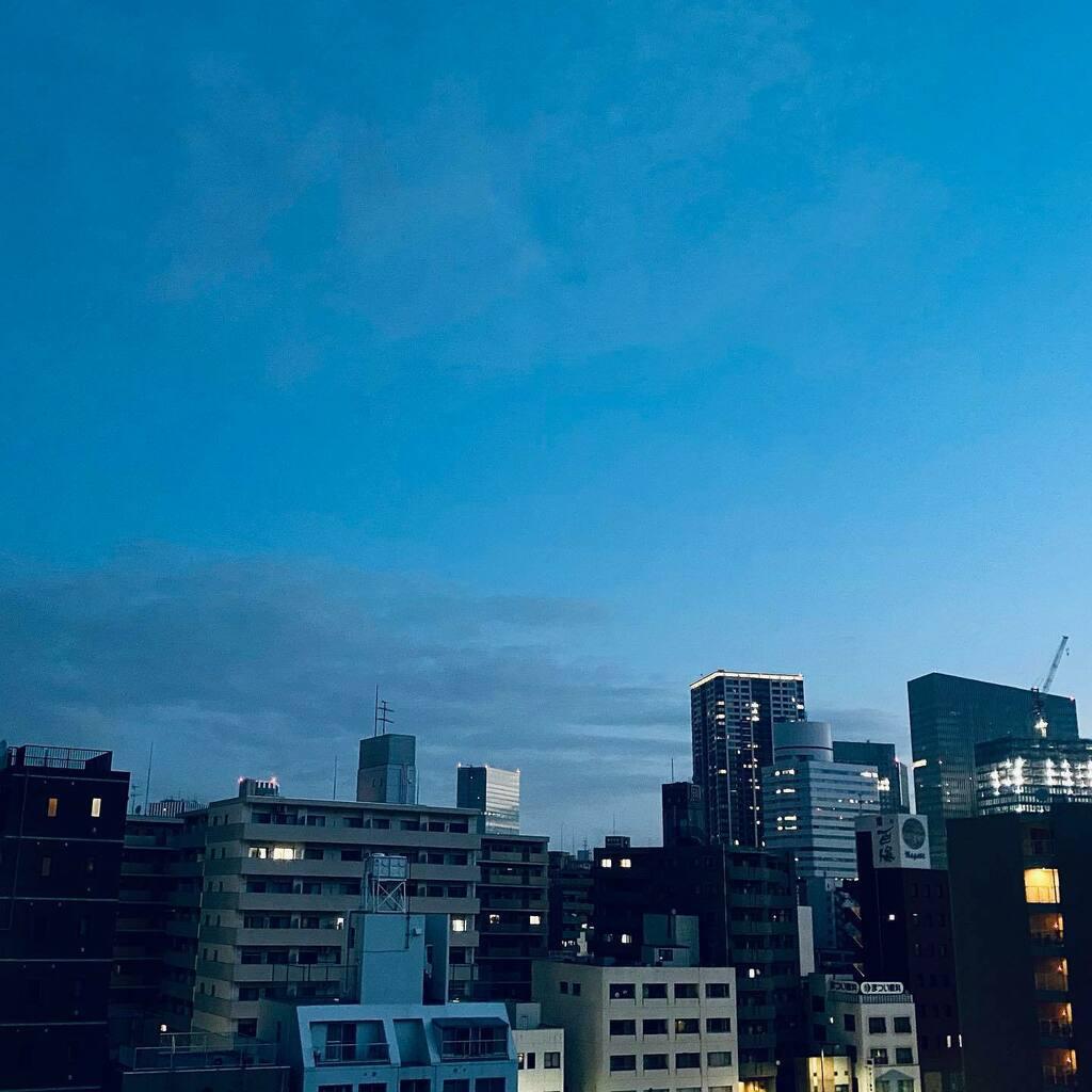 おはようございます😊🤚⠀ 今日も素敵な1日となりますように✨⠀ #おはよう #ohayo #goodmorning #sky #空 #morning #横浜 #yokohama #iphone11ProMax #japan
