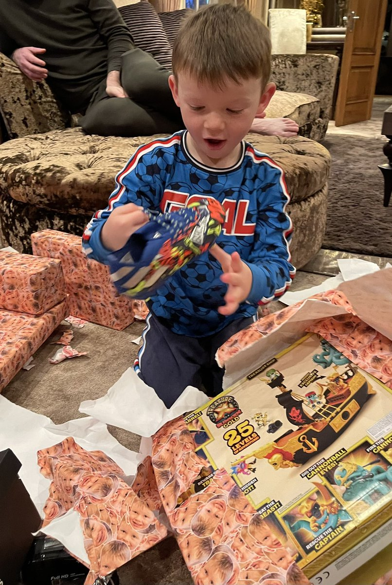 Replying to @ColeenRoo: I just love you Kit Rooney!! 5 Today 🎉🎂🥳. Hope you've had the best day xx