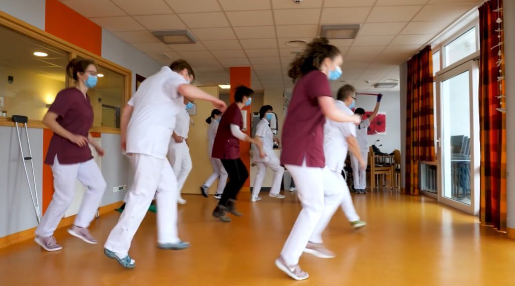 #Belgium🇧🇪 is tortured by #COVID19 but even in times of hardship those who fight the #pandemic send a positive message. Watch the personnel of @SanktVith hospital #EastBelgium participating in #jerusalemadancechallenge! @CovidBelgium @CovidBelgiumGN https://t.co/P8YPjGJ6GD https://t.co/EXfs7OCndP