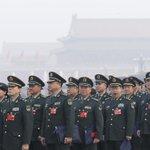 Image for the Tweet beginning: 港媒:习近平将给军队大幅加薪