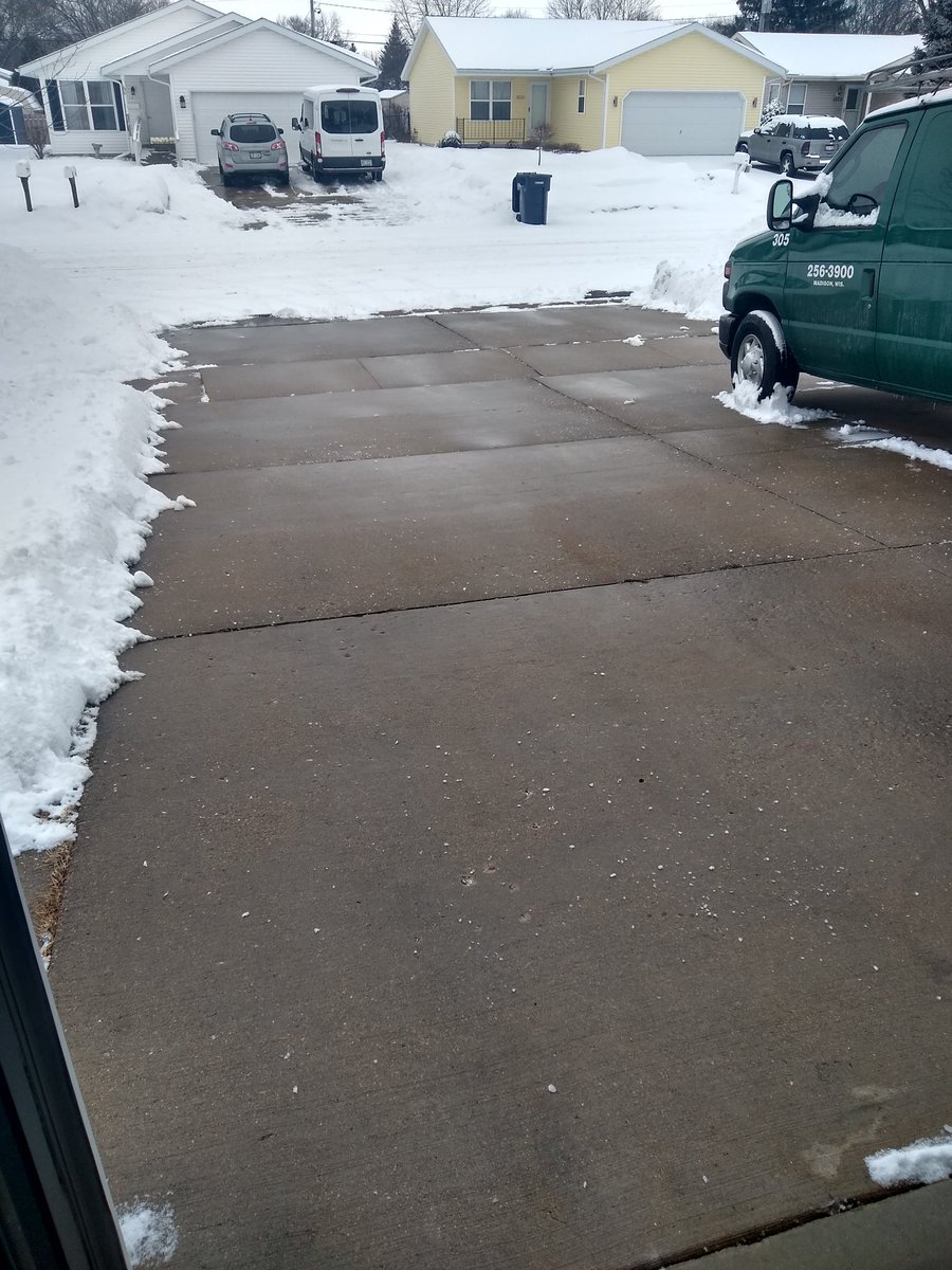 @HellerSports the wife's birthday present to me today a #PavementFresh driveway #GameDay #GoPackGo #NotBad4aFirstTimer