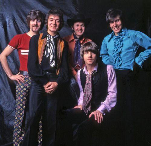 #NowPlaying: @holliesofficial - On A Carousel  #60s #ClassicRock #RockNRoll #TheHollies #Hollies #GrahamNash #DeepTracks   #Listen at https://t.co/6rtaedDT05  @TheGrahamNash @The_Hollies   The #SundayDrive on @DeepNuggets #Radio - #Dance! https://t.co/8pf0pkOH7V