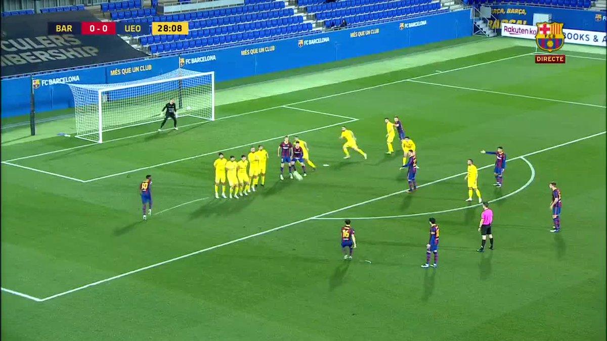 Quin golàs de @JandroOrellana6 del @FCBarcelonaB 🤯