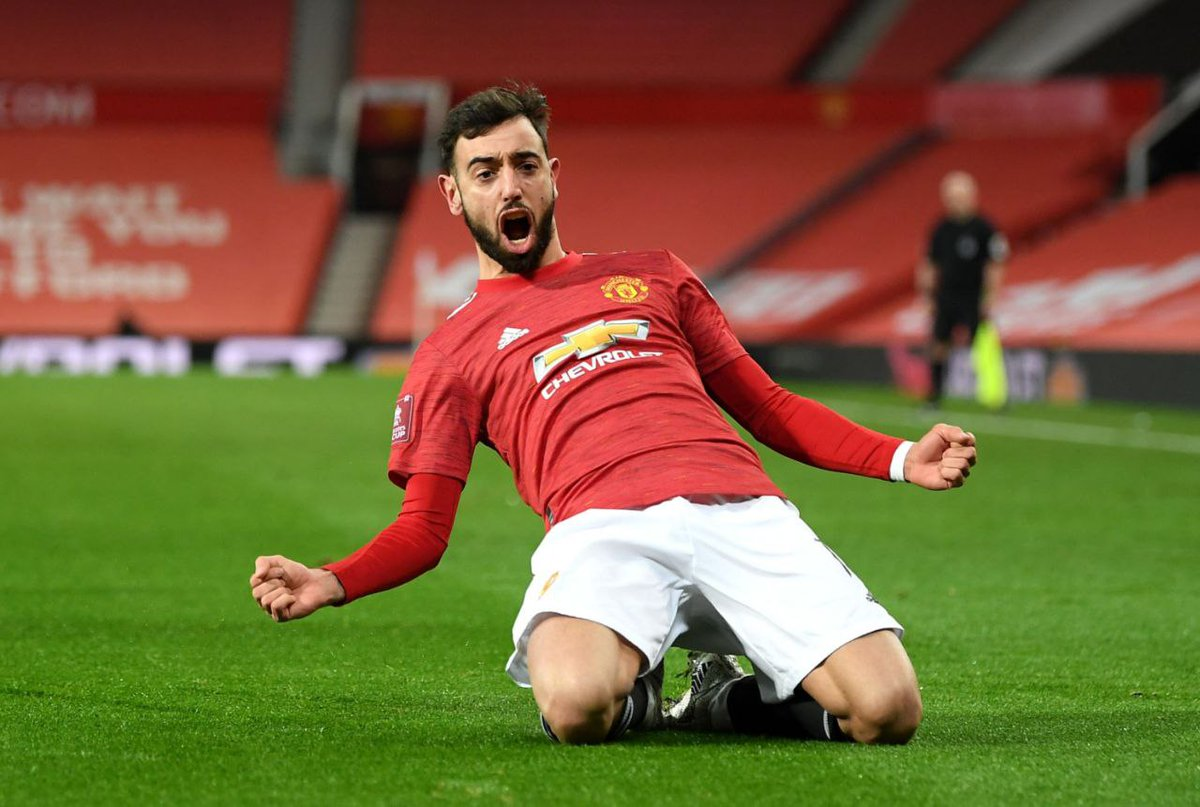 """all that """"small game player"""" """"only scores penalties"""" talk just for him to come up and score the winner against Liverpool to knock them out of the cup🔥🔥 magnifico🇵🇹💥 #MUNLIV #MUFC"""