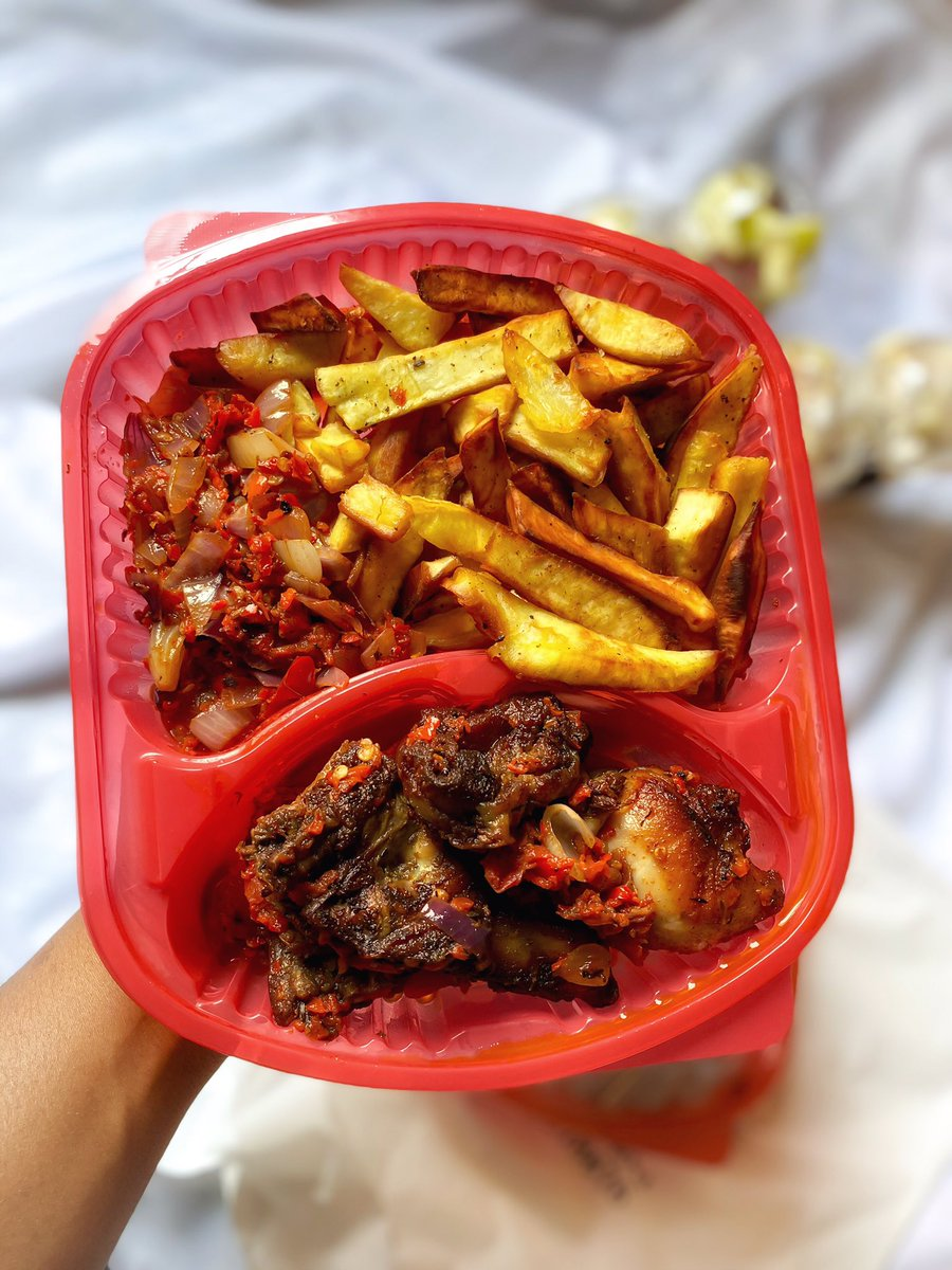 On da menu for lunch tomorrow:- chicken,chips and pepper sauce. Salted caramel flavored parfait.  Plain parfaits. Chocolate layered parfait. If you're in Nsukka and you want lunch tomorrow please dm.  #food #shotoniphone #parfait #nsukka