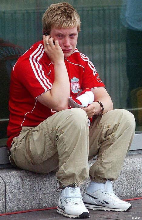 """""""Make i tell you wetin happen for abule, Rashford came there with his best friend Bruno""""😭 #MUNLIV"""