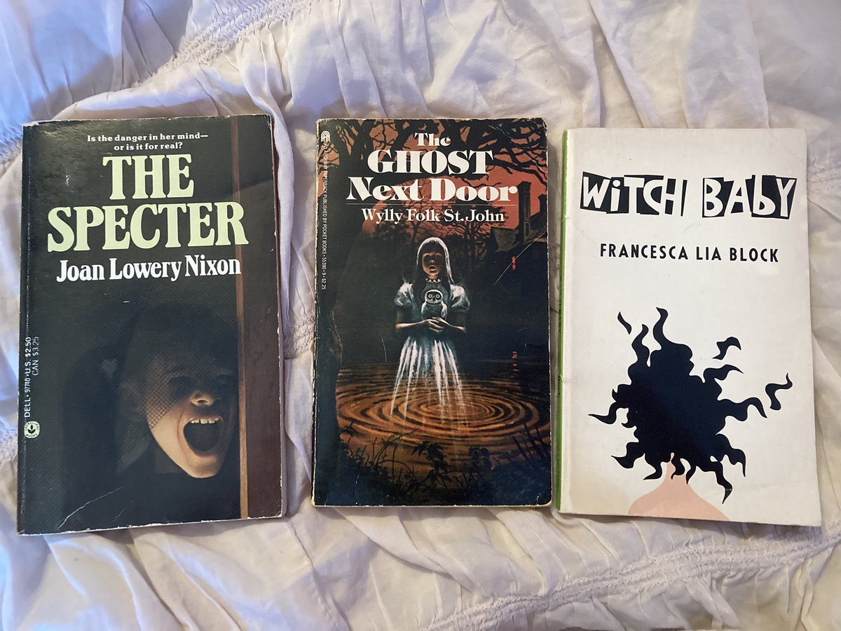 Got some new (vintage) spooky reads 📚💀