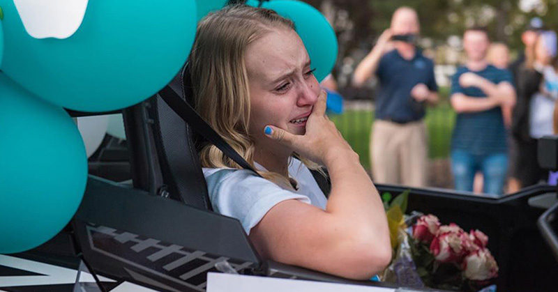 What a heartfelt story! One inspiring teen receives an emotional homecoming after having both legs amputated.  #homecoming #amputee #inspirational #community #courageous